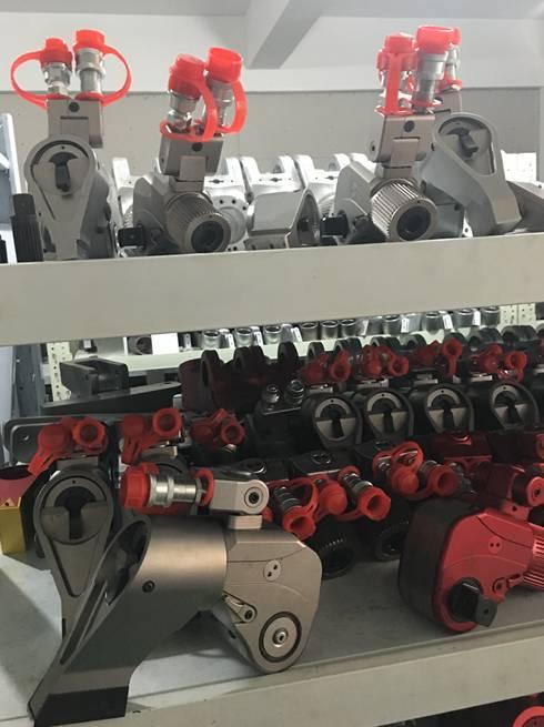 沃顿机械一直专注于液压扳手产品,欢迎有需求的朋友联系400-829-0906。