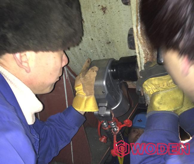 操作液压扳手要按照正确方法进行操作。