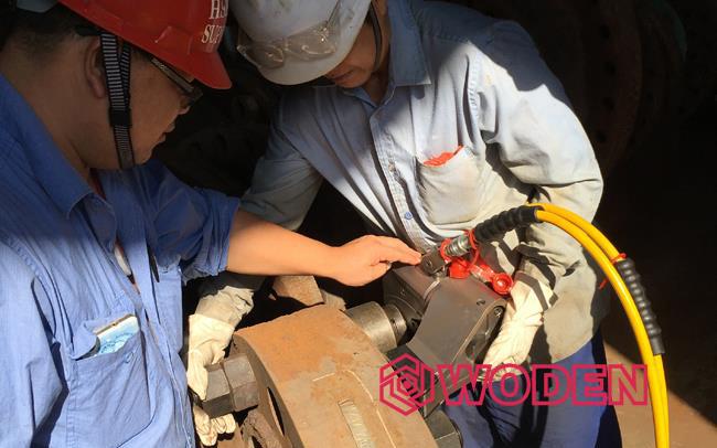 操作液压扳手之前需提前检查液压扳手有无故障。