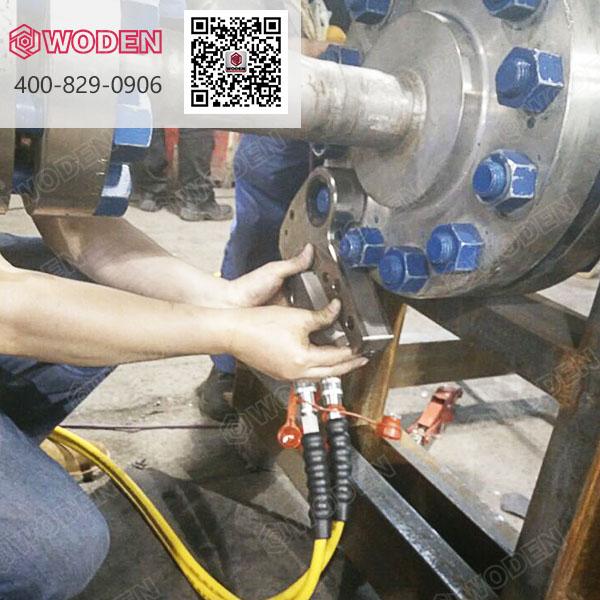 换热器液压扳手专用工具使用现场图