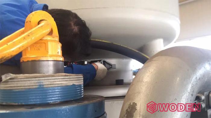 沃顿液压扳手在该厂培训使用情景
