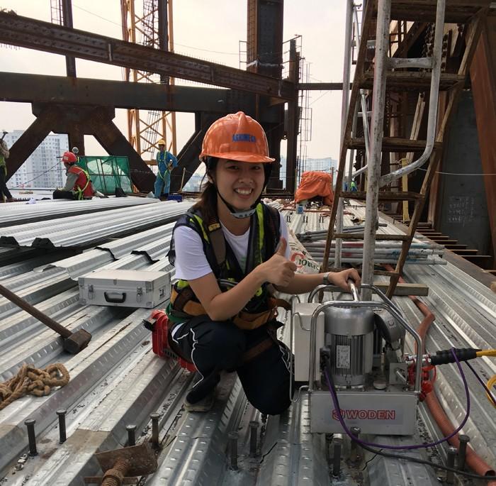 雷电竞网页越南钢结构客户