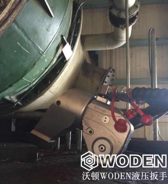 石化企业使用沃顿液压扳手现场